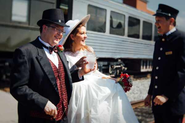 wedding-ceremony-on-train